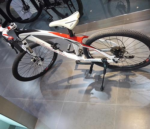 澳盛碳纤维自行车