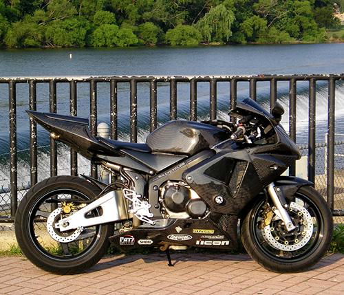 碳纤维摩托车